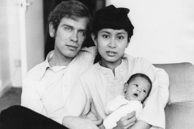 Aung San Suu Kyi and Michael Aris with their first-born son Alexander Aris, London, 1973